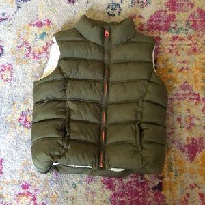 Cute gap girl vest